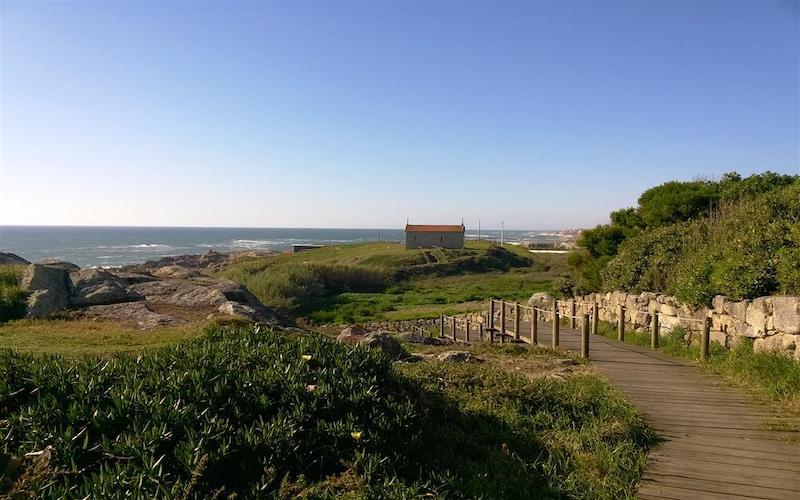 The camino Portugues along the coast