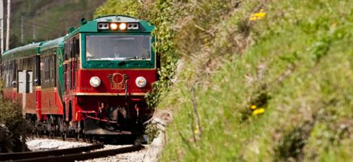 Expreso de la Robla***: 7 days indulgence on rails and urban splendor